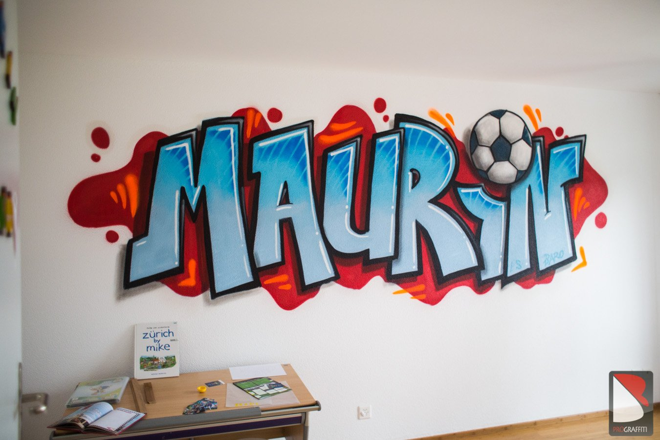 maurin kinderzimmer graffiti fussball graffiti artist pro. Black Bedroom Furniture Sets. Home Design Ideas